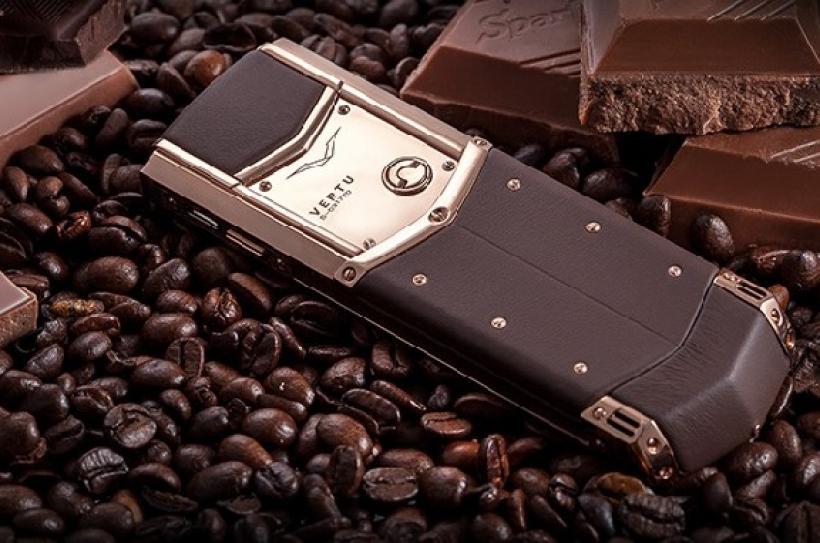 Vertu Signature Pure Chocolate telefon